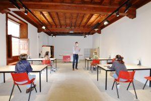 En el marco de las V Jornadas Cervantinas, se imparte en el MAIT un taller de escritura creativa a estudiantes de Bachillerato